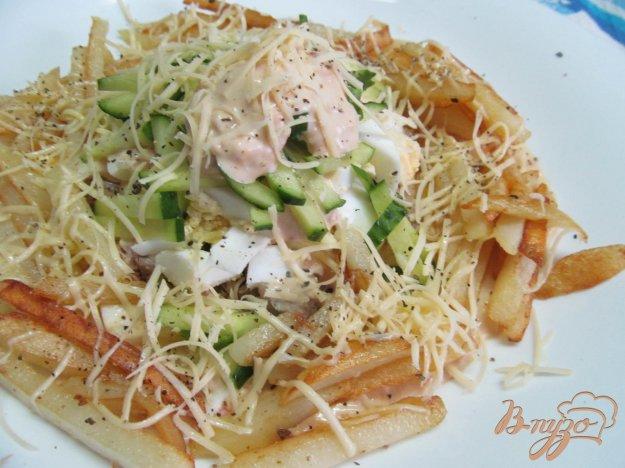 фото рецепта: Салат с жареным картофелем и утиным мясом