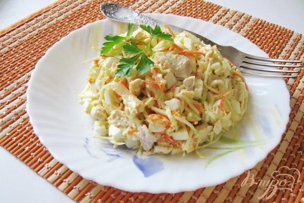 фото рецепта: Салат с редькой, морковью и курицей