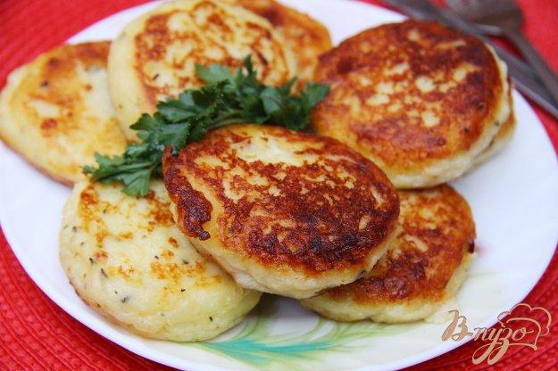 фото рецепта: Картофельные биточки с сыром