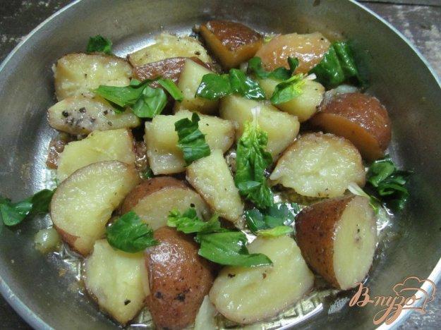 фото рецепта: Жареный картофель с чесноком под соком лимона