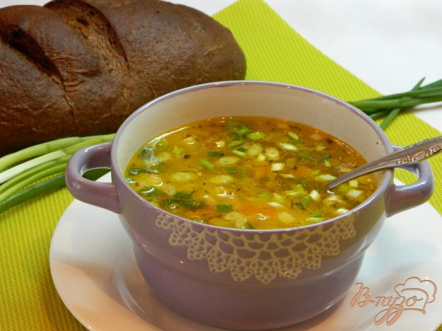 фото рецепта: Суп на курином бульоне со специями и зеленым луком