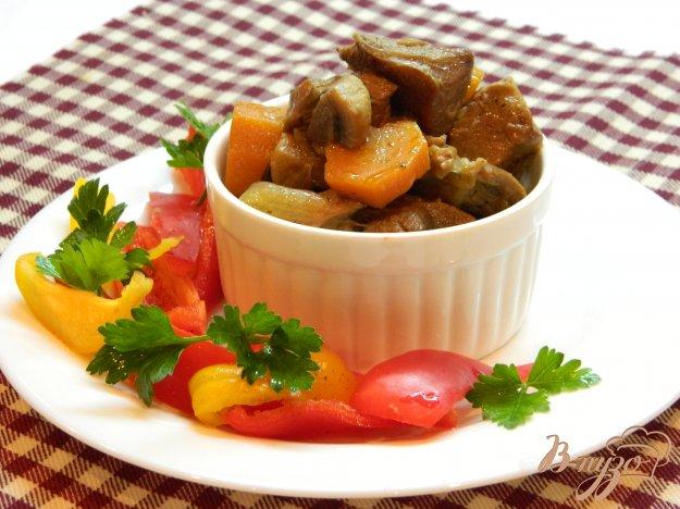 фото рецепта: Гуляш из индейки с грибами и соевым соусом