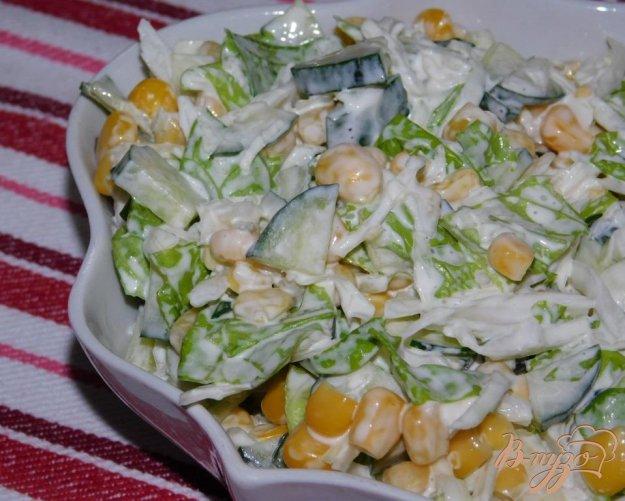 фото рецепта: Салат с капустой и кукурузой