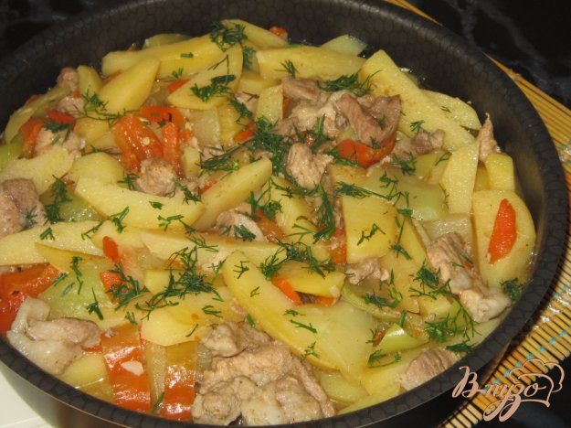 фото рецепта: Рагу из свинины с кабачками и картофелем