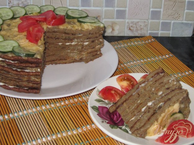 фото рецепта: Печеночный торт с двойной начинкой