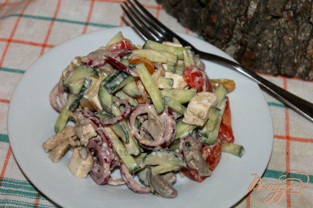 фото рецепта: Салат с отварной куриным мясом, печенью и овощами