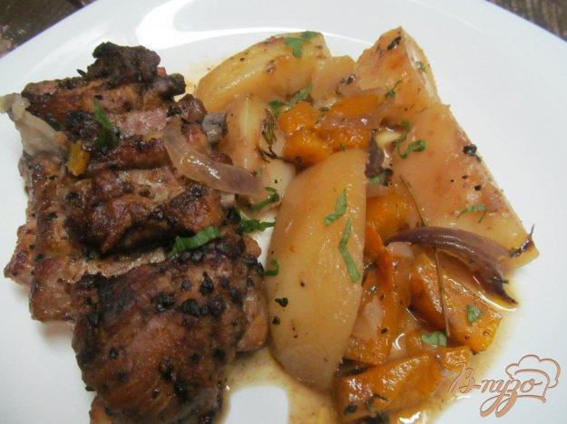 фото рецепта: Тушеные свиные ребра на овощах