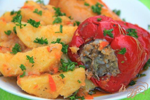 фото рецепта: Фаршированный перец с картофелем в мультиварке