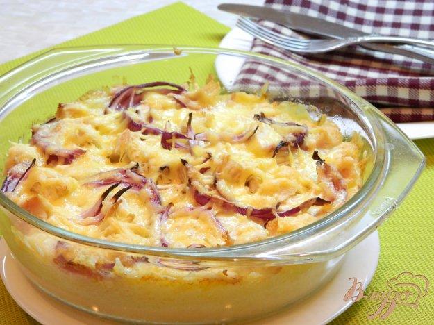 фото рецепта: Запеканка из картофельного пюре, куриного филе и моцареллы