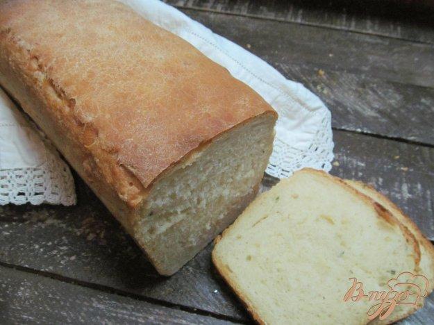 фото рецепта: Хлеб с чесноком имбирем и тимьяном