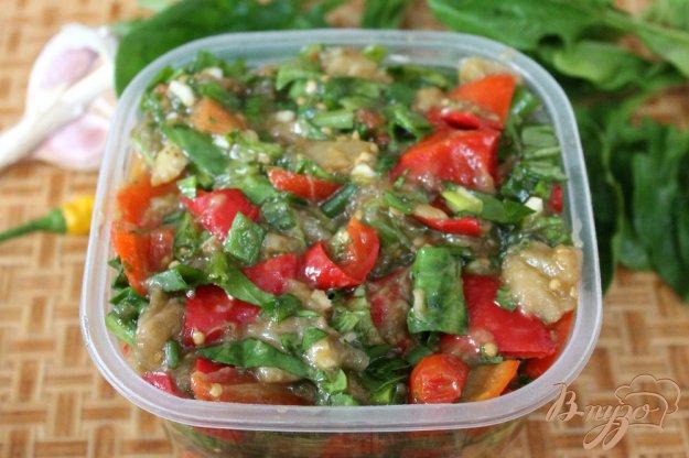 фото рецепта: Баклажан с перцем, помидорами и шпинатом