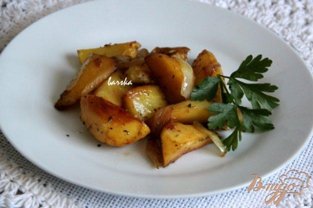 фото рецепта: Картофель, запеченный с луком под соевым соусом
