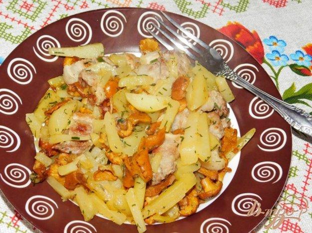 фото рецепта: Жареный картофель с слисичками