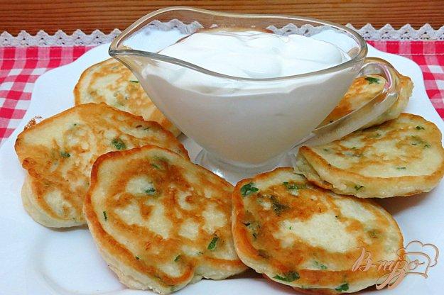 фото рецепта: Оладьи на кефире, без яиц, с картофелем