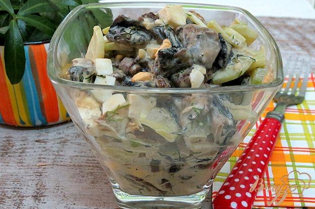 фото рецепта: Салат из шампиньонов огурцов и яиц