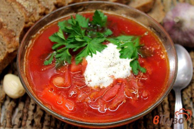 фото рецепта: Красный борщ на говяжьем бульоне с нутом и пассированными овощами