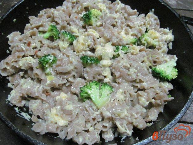 фото рецепта: Паста с брокколи под соусом