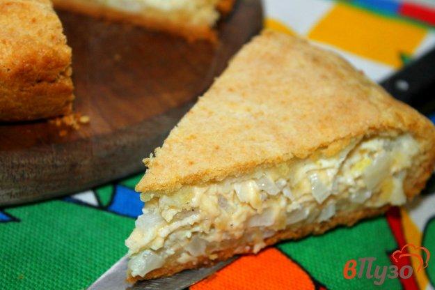 фото рецепта: Пирог с твердым сыром и луком