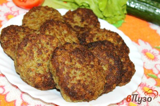 фото рецепта: Мясные котлетки со спаржевой фасолью
