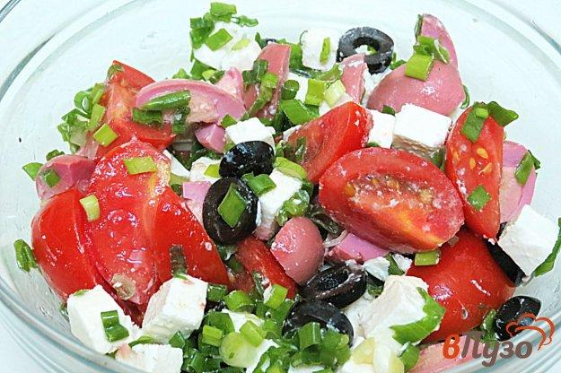 фото рецепта: Салат из маринованных перепелиных яиц и помидоров
