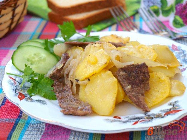 фото рецепта: Говядина запечённая с картофелем в духовке