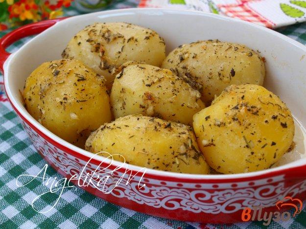 фото рецепта: Запечённый картофель с ароматными травами
