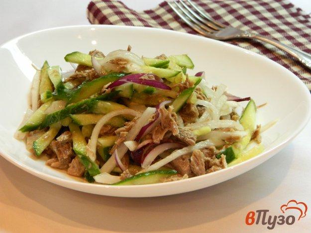 фото рецепта: Мясной салат с редькой и соевым соусом