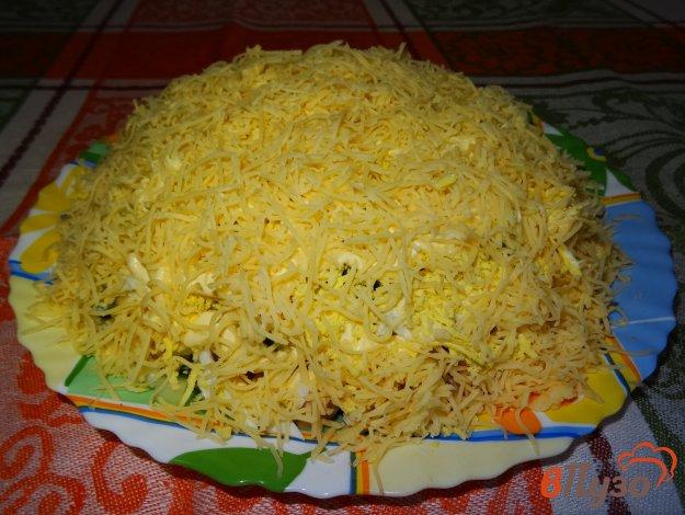фото рецепта: Слоеный салат с ветчиной