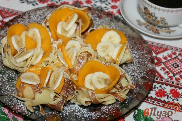 фото рецепта: Блинные корзинки с хурмой и бананом