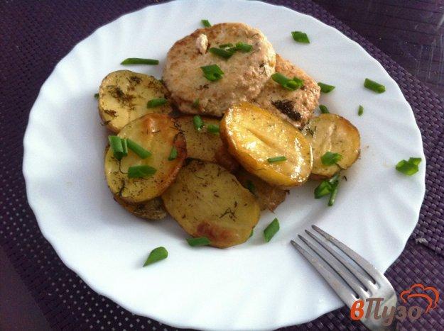 фото рецепта: Запеченный молодой картофель с копченым салом