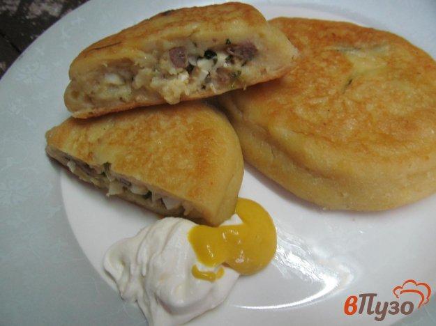 фото рецепта: Картофельные пирожки с печенью и яйцом