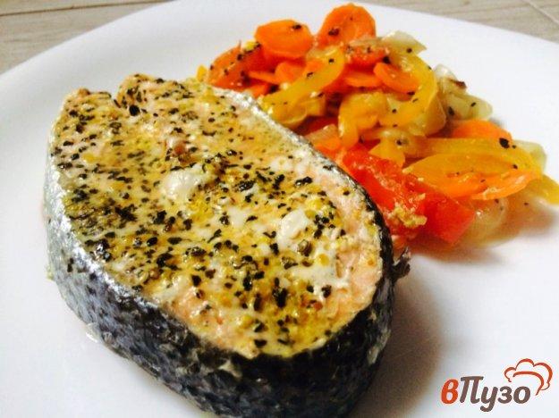 фото рецепта: Стейк из форели с овощами