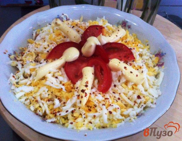 фото рецепта: Слоеный салат из птицы и сыра