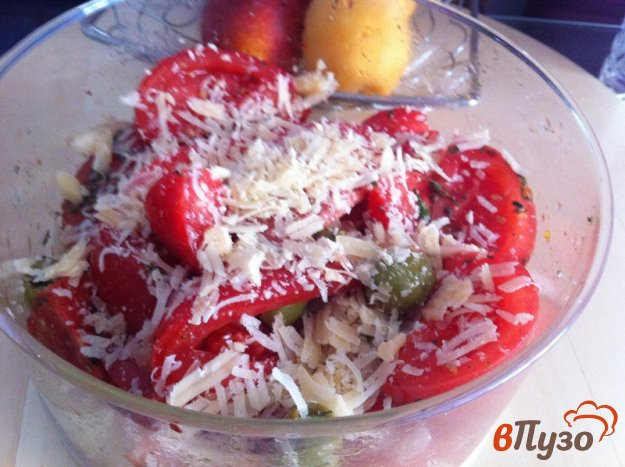 фото рецепта: Салат из помидор и оливок