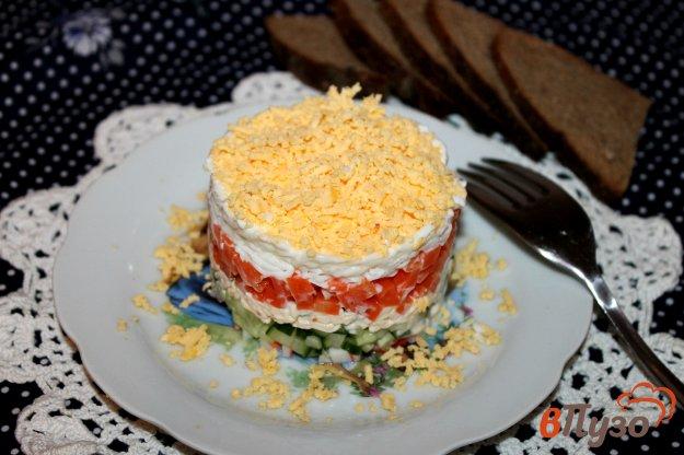 фото рецепта: Салат с крабовыми палочками, морковью и яйцом