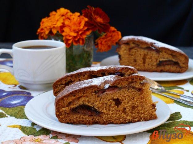 фото рецепта: Пирог со сливами на сметане