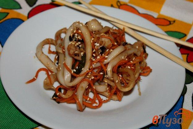 фото рецепта: Салат из кальмара и осьминога по - корейски