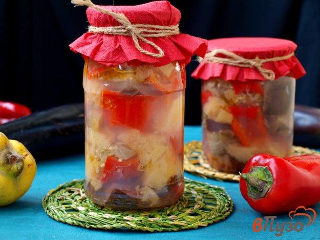 фото рецепта: Консервированные баклажаны с айвой