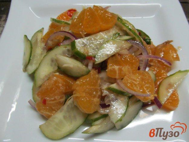 фото рецепта: Салат из огурца с мандарином