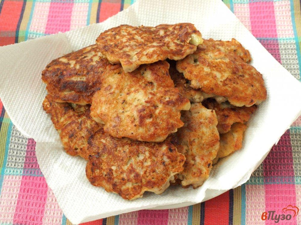 Фото приготовление рецепта: Мясные котлеты по-албански шаг №5