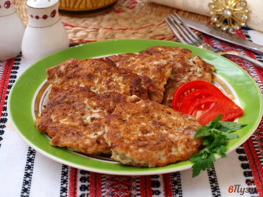 Фото приготовление рецепта: Мясные котлеты по-албански шаг №6