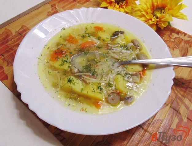 фото рецепта: Суп с вермишелью, зеленым горошком и грибами