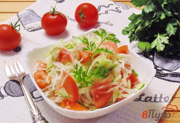 фото рецепта: Салат из помидоров, огурцов и чеснока