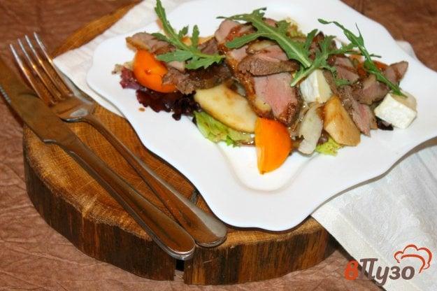 фото рецепта: Салат с уткой и яблоком