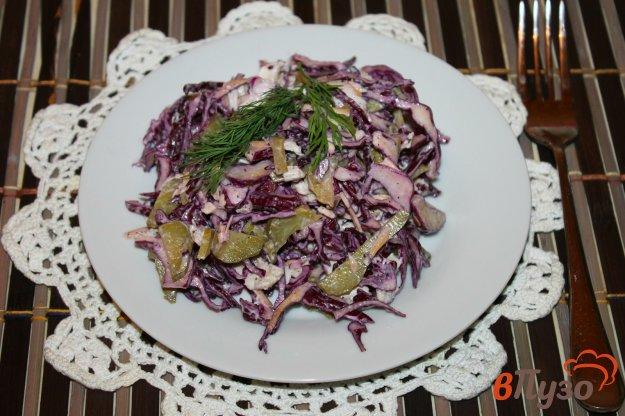 фото рецепта: Салат из капусты с отварной курицей и сыром