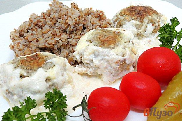 фото рецепта: Тефтели в сметанном соусе в духовке