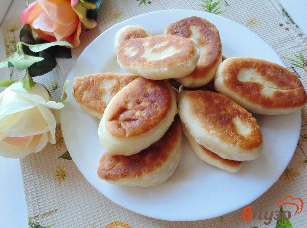 фото рецепта: Жареные пирожки с горохом и грибами