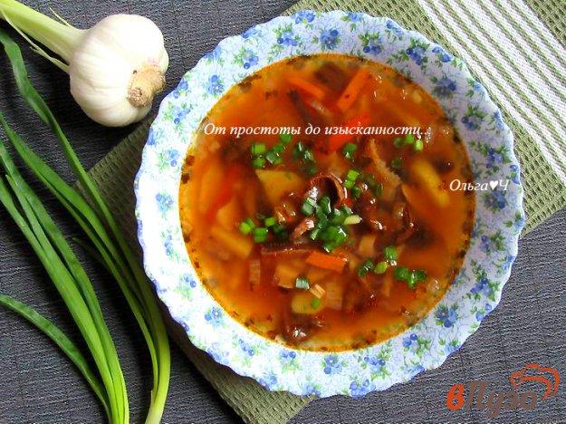 фото рецепта: Томатный суп с грибами и базиликом