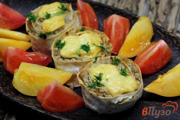 фото рецепта: Рулет из лаваша с мясной начинкой и сыром
