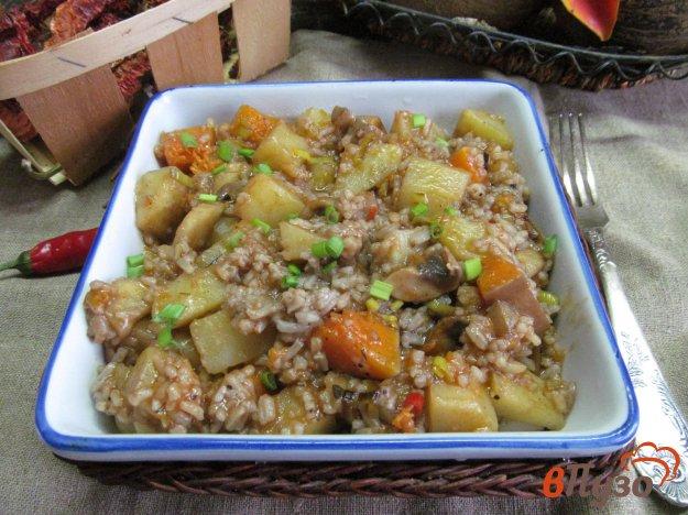 фото рецепта: Картофель с грибами тыквой и рисом